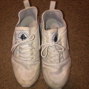 Nike Air Women's White Hurache Shoes!!!